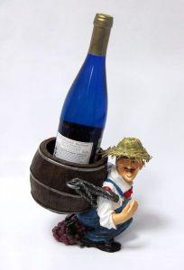 Подставка для вина «Мужичок несет бутылку в рюкзаке»