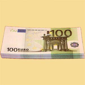 Забавная пачка денег 100 евро