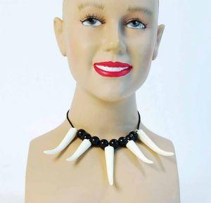 Ожерелье из зубов