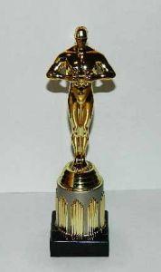 Оскар на золотой подставке (22 см.)