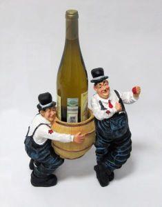 Подставка для вина «Пьяницы и бутылка»